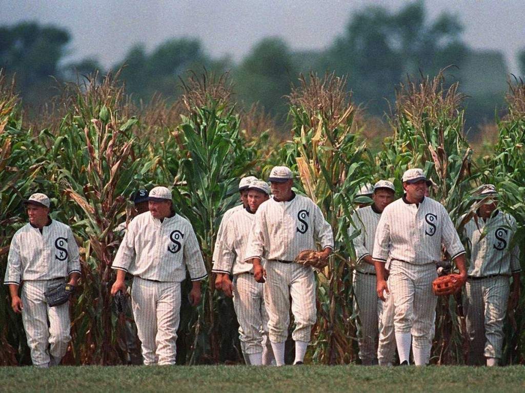 iowa-see-the-filming-location-of-the-1989-classic-field-of-dreams-in-dubuque-county-iowa-you-can-bat-on-the-field-or-take-a-guided-tour-of-the-surrounding-farm